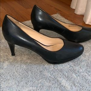 Cole Haan super comfy pumps, size 9